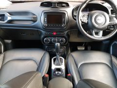 JEEP RENEGADE 2.0 MultiJetII Limited Auto 4WD (s/s) 5dr - 662 - 10